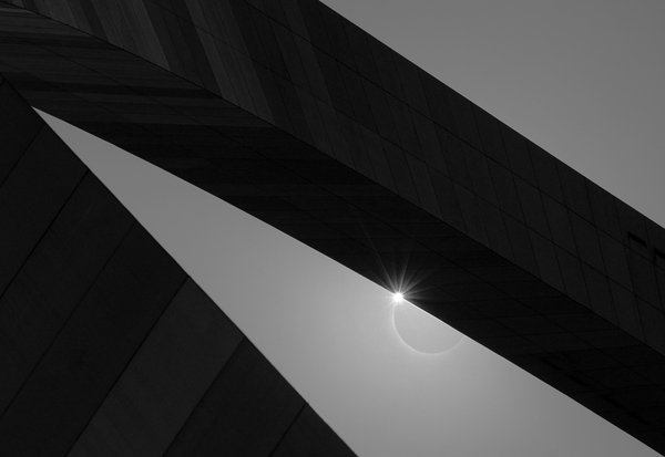 Solar Eclipse Through the Gateway Arch thumbnail