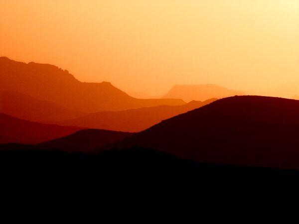 11 shades of orange thumbnail