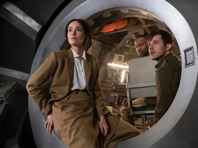 """Abigail Spencer as Lucy Preston, Malcolm Barrett as Rufus Carlin, and Matt Lanter as Wyatt Logan travel to 1918 in the first episode of season two of """"Timeless"""""""