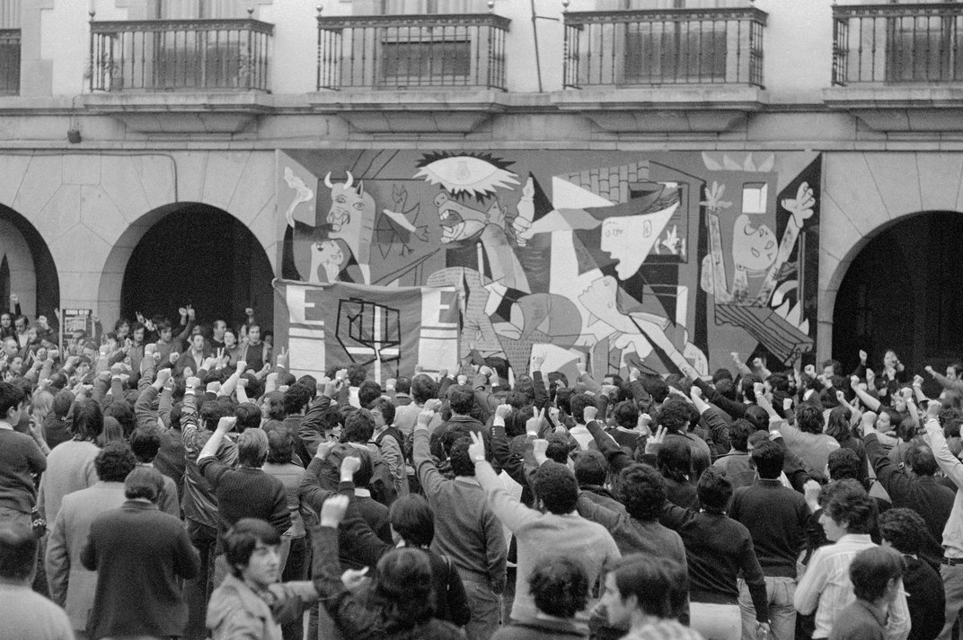 Spanish Confectioners Create Life-Size Chocolate Replica of Picasso's 'Guernica'