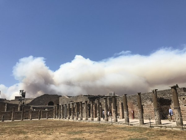 Smoke from a forest fire on Mt Vesuvias envelops Pompeii  thumbnail