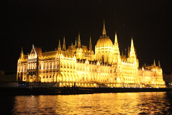 Night River View of Parliament Building, Budapest, Hungary thumbnail