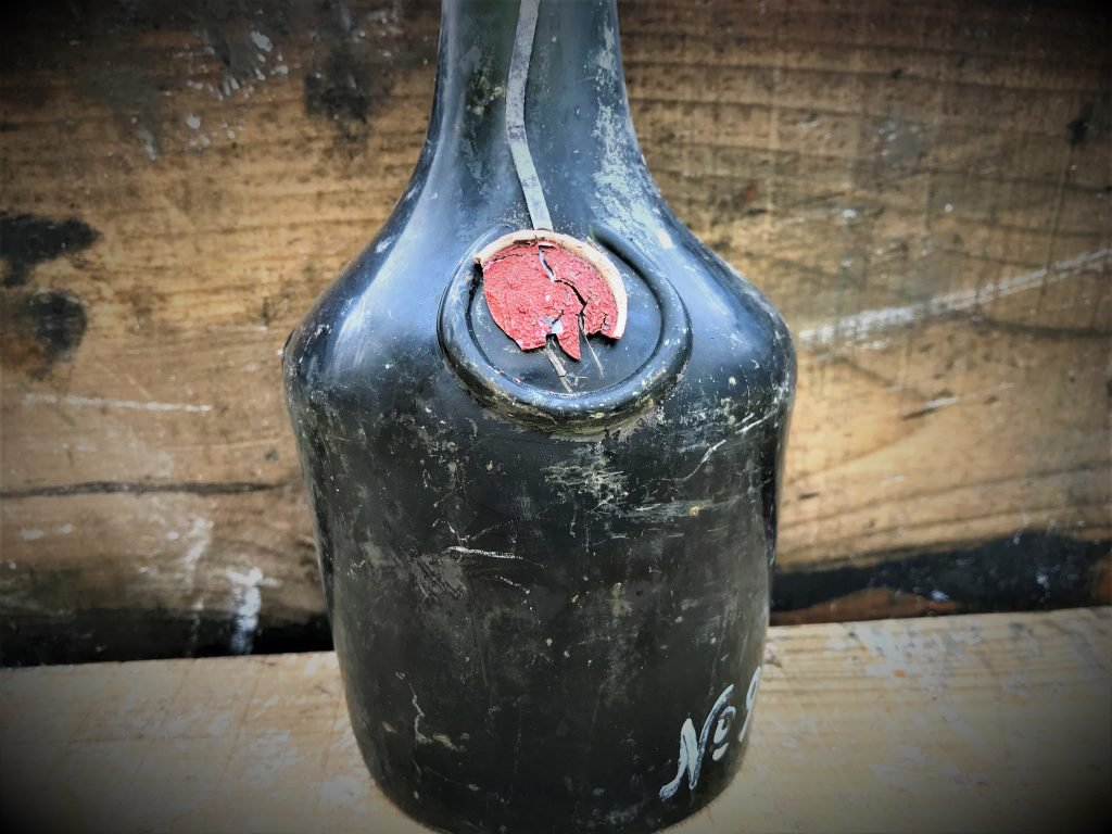 Tsar Nicholas II's Last Shipment of Booze Recovered From the Baltic Sea