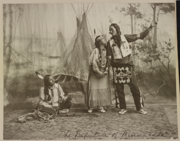 """The Faux """"Sioux"""" Sharpshooter Who Became Annie Oakley's Rival"""