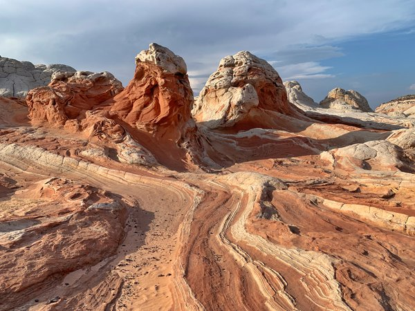 Amazing rock formations in White Pocket thumbnail