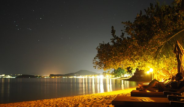 Starry night at Bophut Beach thumbnail