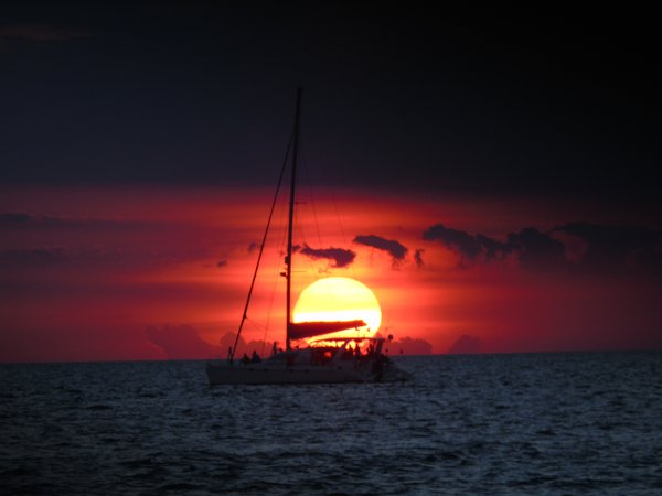 Silhoutte of a boat during the Sunset in Boracay thumbnail