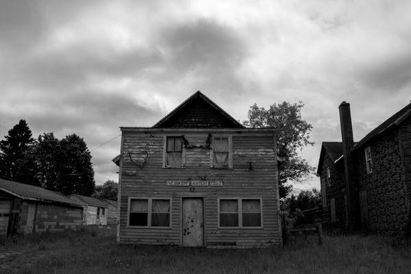 Abandoned Hunters Lodge thumbnail