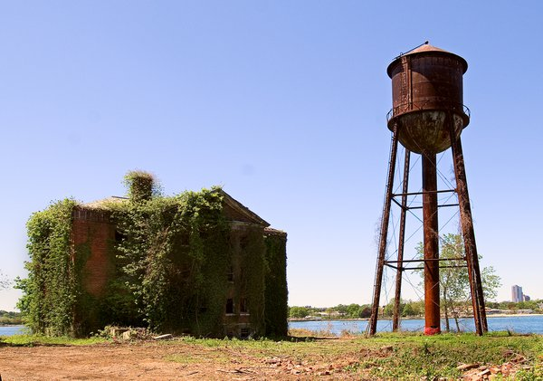 Building 44 & 45 at Fort Slocum which was a military installation from 1862 to 1965. They were razed in 2008 thumbnail