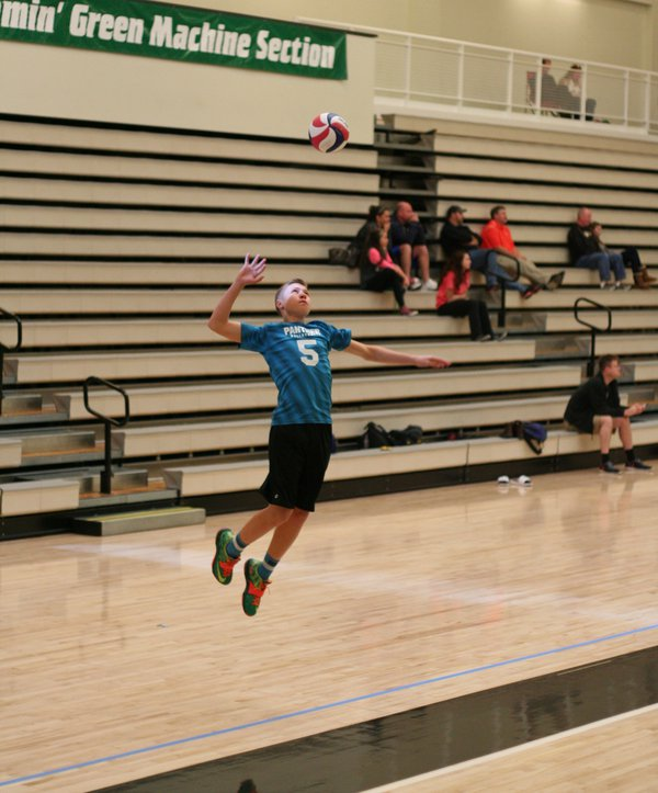 Frozen Midflight while serving Volleyball thumbnail