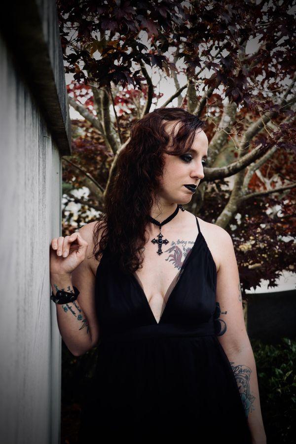 Spooky Graveyard Girl thumbnail
