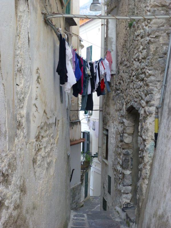 Laundry day on the Amalfi Coast thumbnail