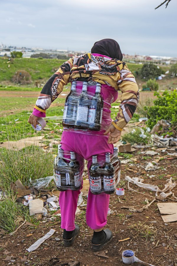 An Astronaut Taper in Melilla, Spain. thumbnail