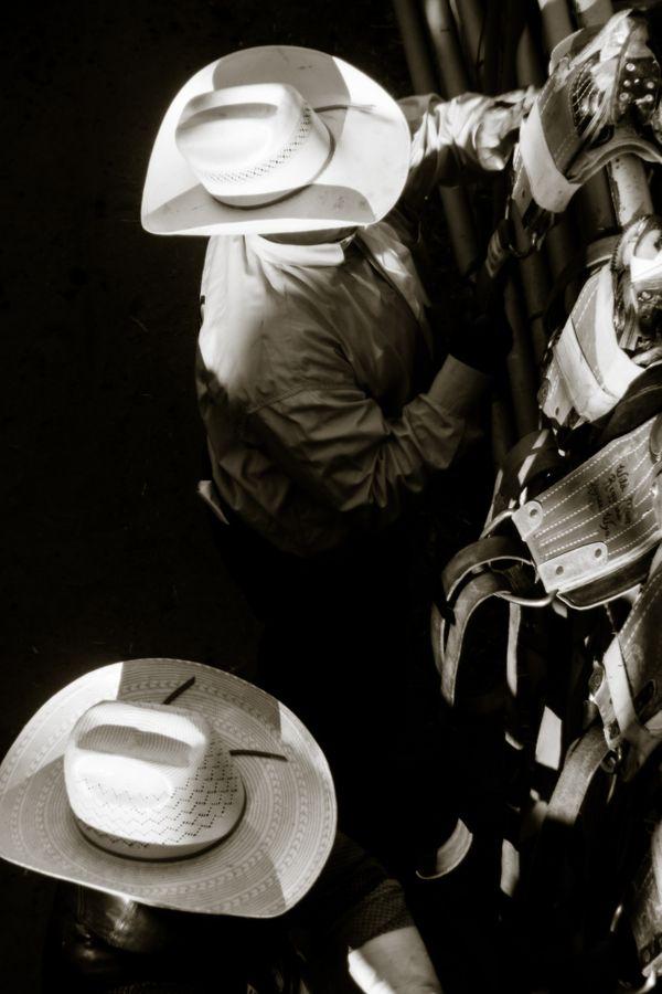 Cowboys preparing  thumbnail