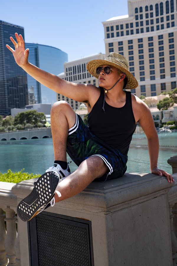 Bellagio Fountain Jujutsu Pose thumbnail
