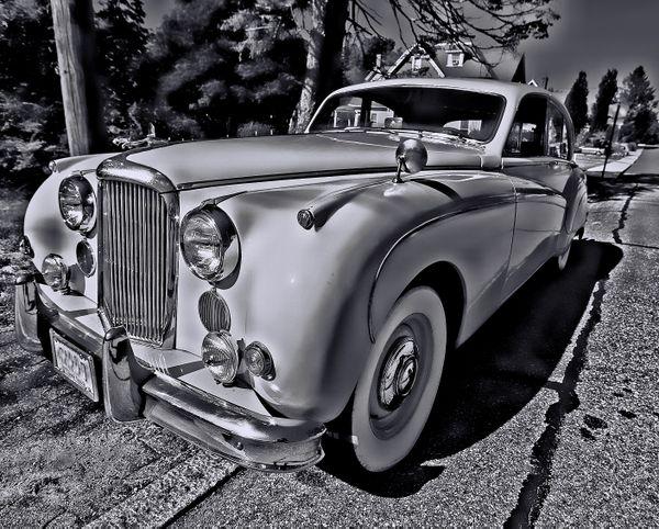 Classic Jaguar thumbnail