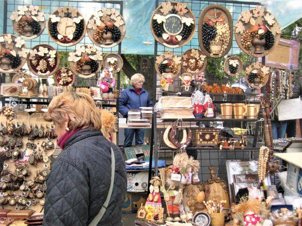 Marketplace. People are selling Moldavian national souvenirs thumbnail