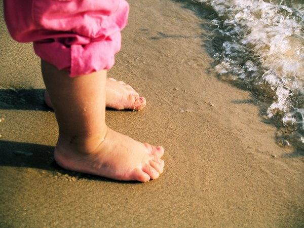 Toes in the water thumbnail