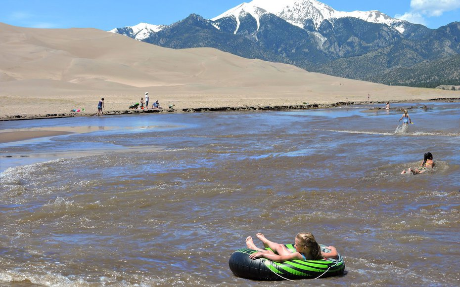 Natural Phenomenon Creates Awesome Waterslide at Great Sand Dunes National Park