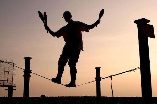 A juggler at sunset, Brighton thumbnail