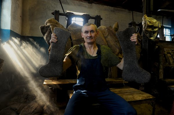 Production of boots in Siberia thumbnail