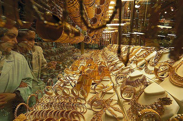 Gold shop grand bazaar Istanbul Turkey