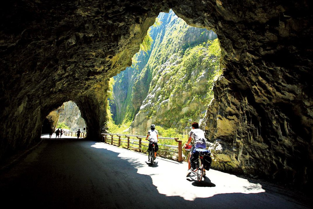 Explore Taiwan On Two Wheels With These Six Spectacular Bike Rides