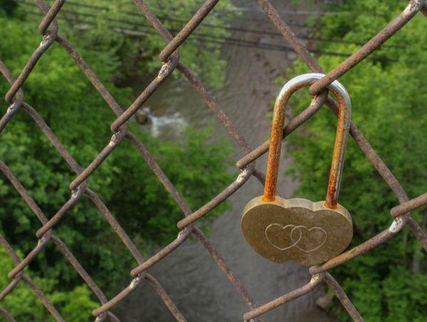 Lover's Lock thumbnail