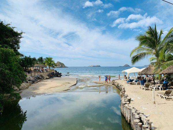 A scenic beach in Ixtapa, Mexico thumbnail