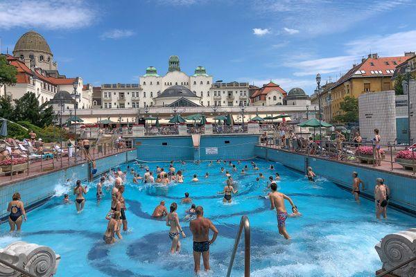 Gellert Baths, Budapest thumbnail