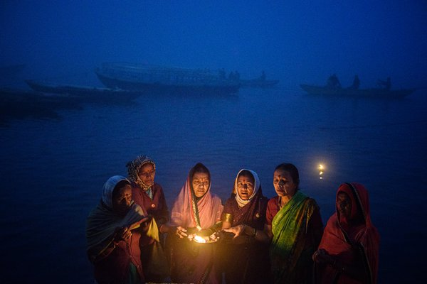 worship of the river Ganges on the river Ganges. thumbnail