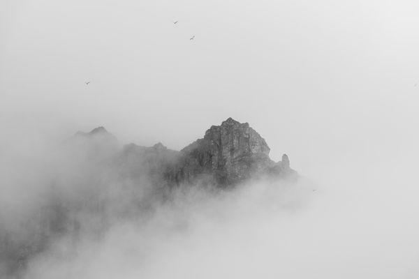 Misty rock thumbnail