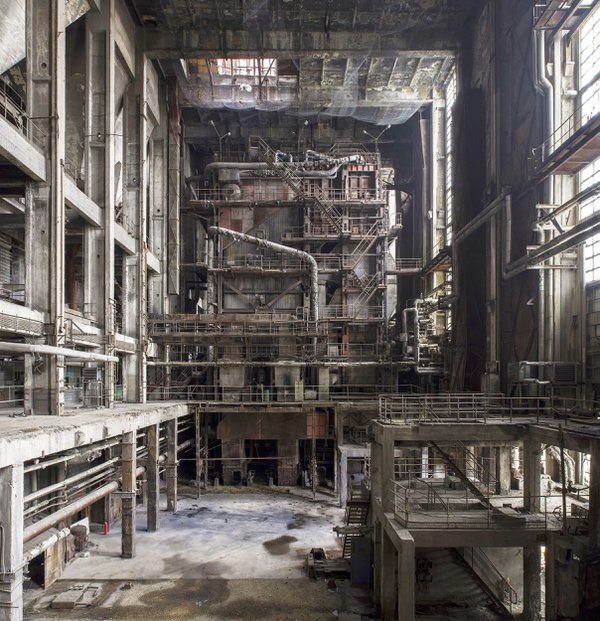 Rusting power plant interior thumbnail