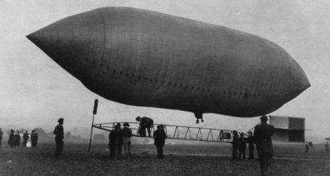 Thomas Scott Baldwin's airship at the St. Louis Exposition
