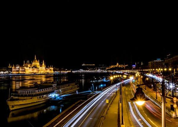 Budapest night thumbnail