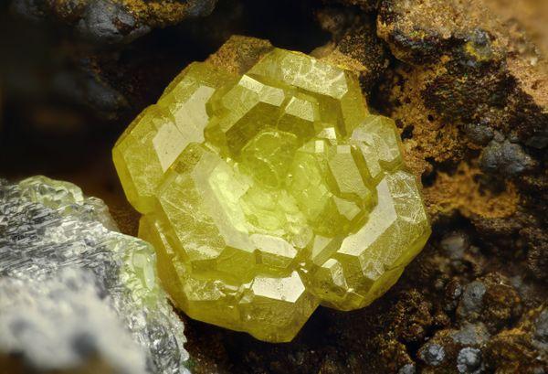 Mimetite mineral thumbnail