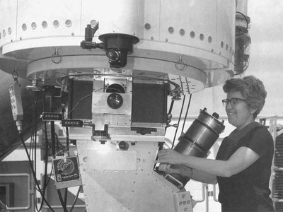 Vera C. Rubin, who advanced our understanding of dark matter, operating the 2.1-meter telescope at Kitt Peak National Observatory.