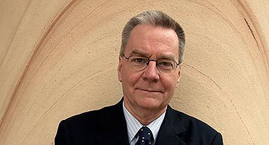 Robert M Poole