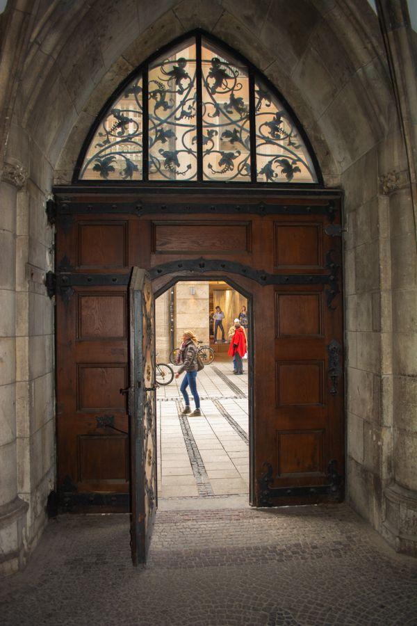A Doorway in Munich thumbnail