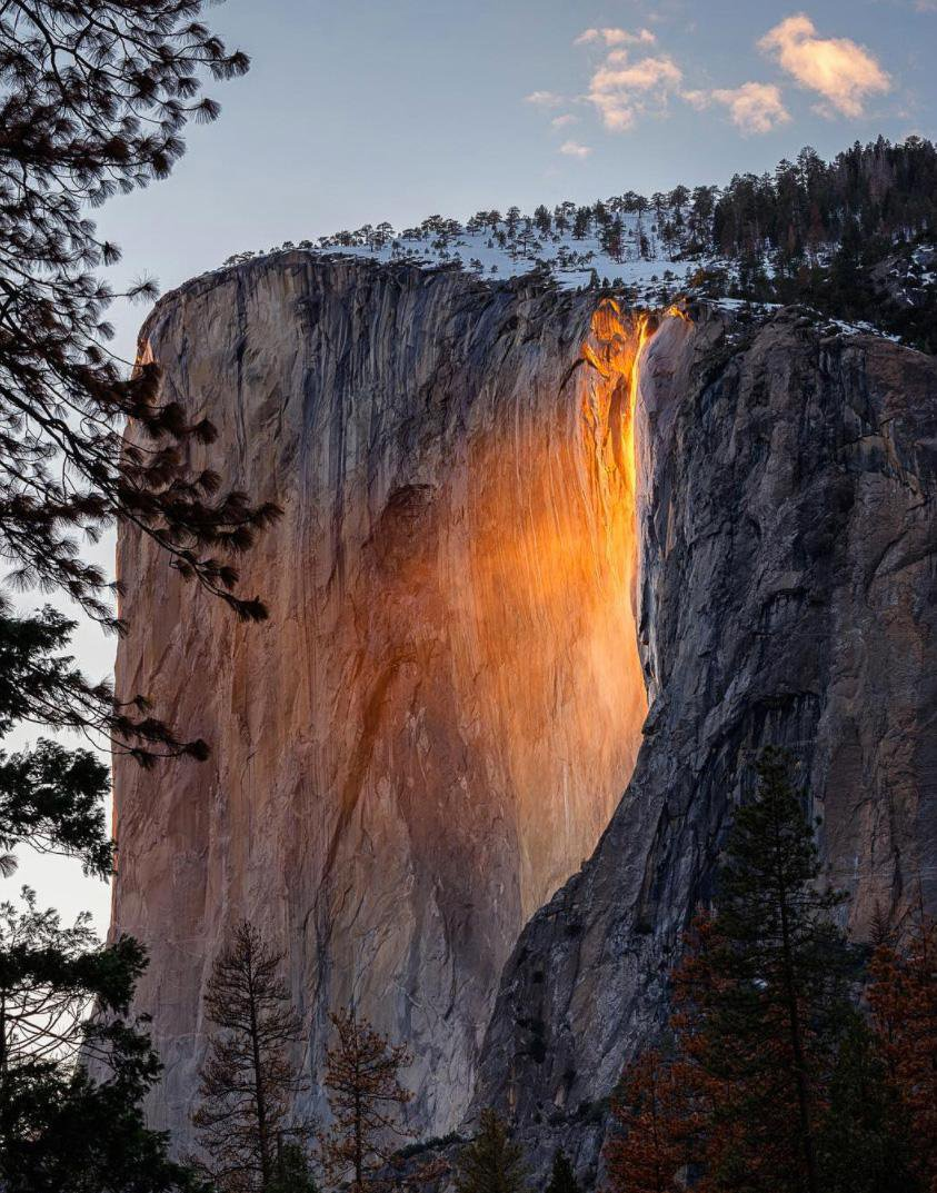 """Check Out Yosemite's """"Firefall"""" Illusion Light Up El Capitan"""