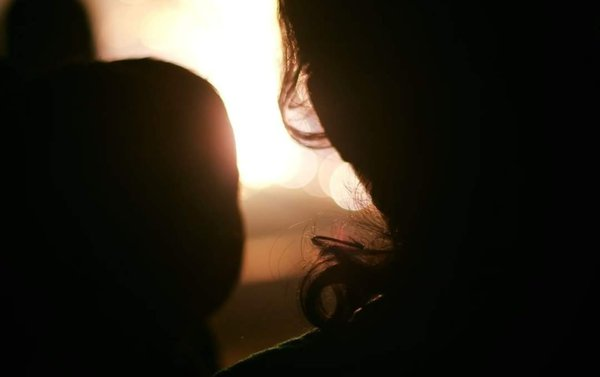 Mother and child during the festival of lights thumbnail