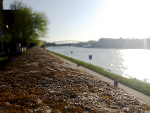Vistula river in Krakow thumbnail