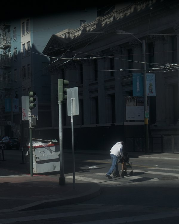 The man crossing the street thumbnail