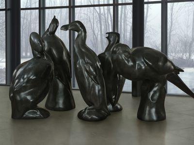 Artist Todd McGrain's sculptures of five extinct North American birds are now on display in Smithsonian gardens.