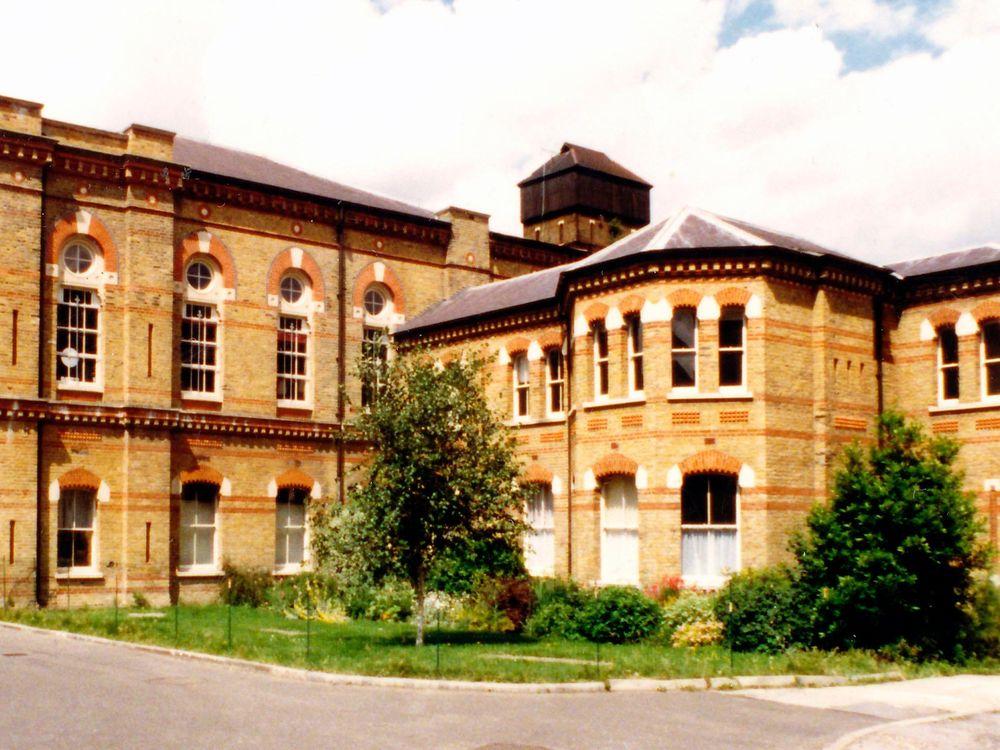 Exterior_of_Cinema_Museum_lecture,_Kennington,_Lambeth.jpg
