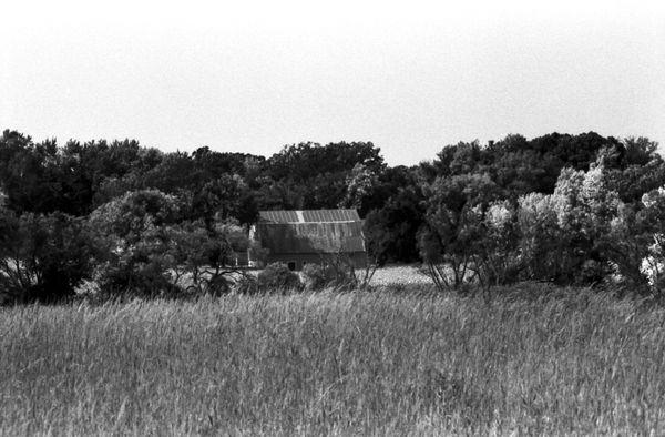 Old Barn in Autumn thumbnail