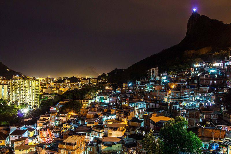 Santa-Marta-favela.jpg