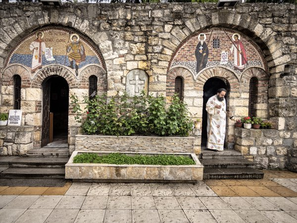 Censing the Serbian martyrs, Belgrade, Serbia thumbnail