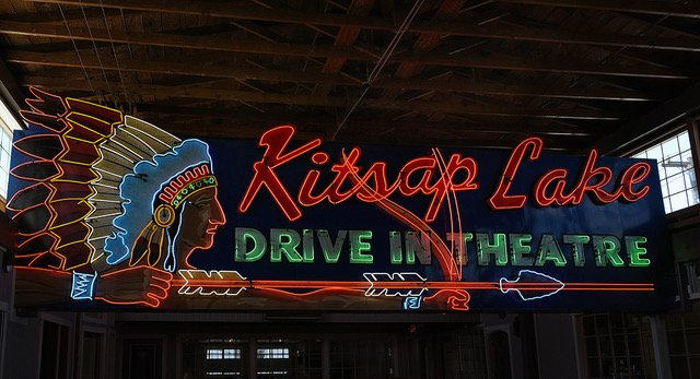 A Vibrant Tour of America's Neon Signs