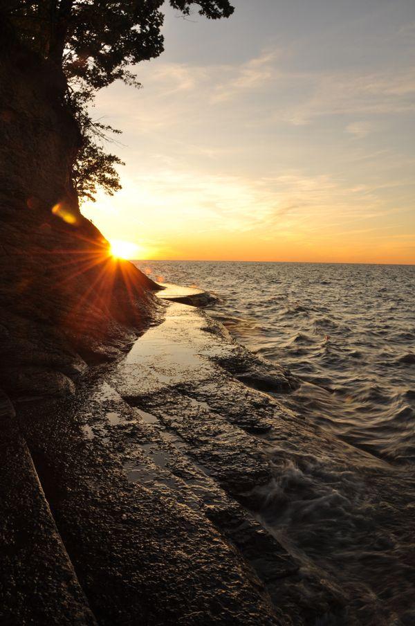 A natural path along Lake Erie thumbnail
